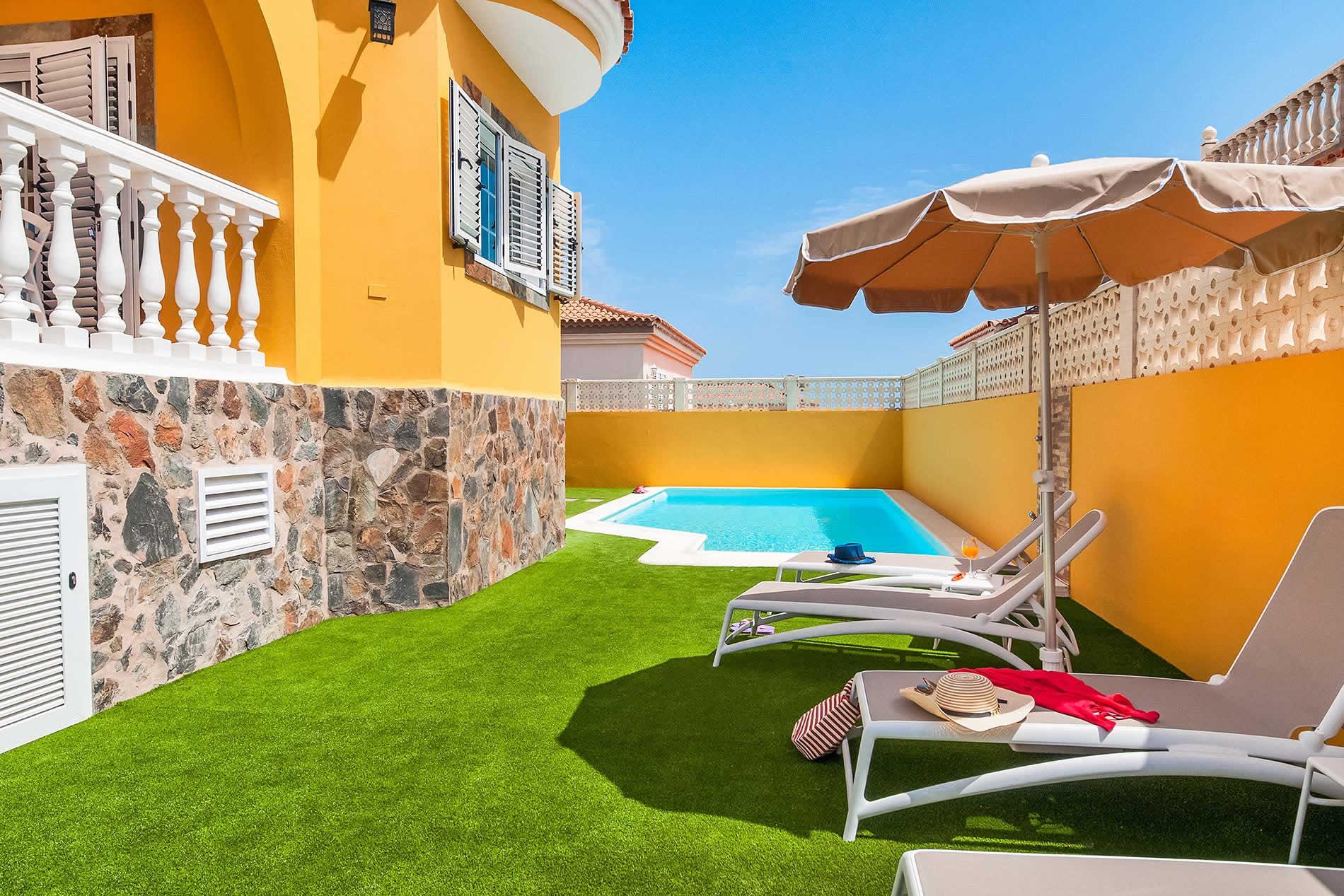 Villa Casa Amarilla in Maspalomas - sleeps 8 people
