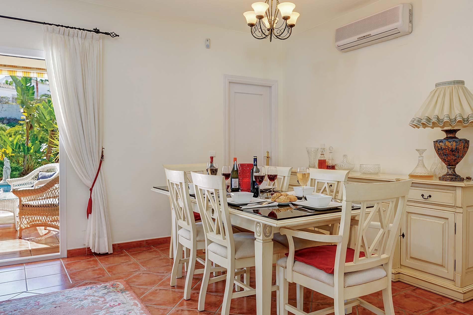 Villa Casa Cristina in Calahonda - sleeps 6 people