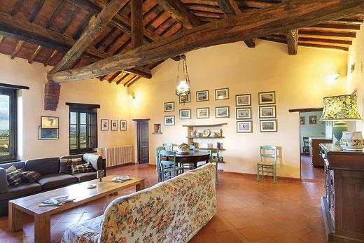 Villa Casaglia in Paciano - sleeps 12 people