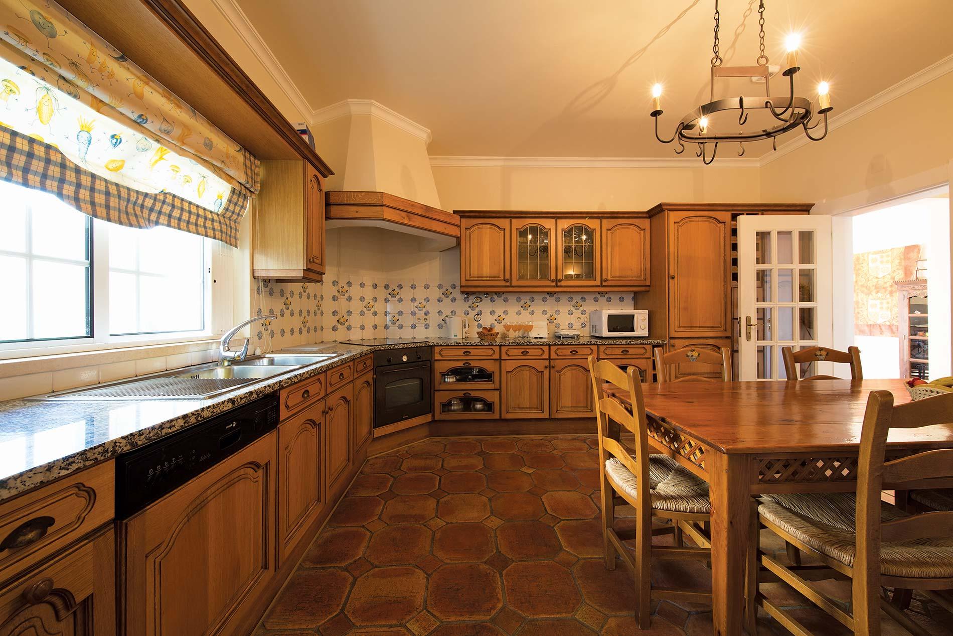 Villa Celia in Vale de Parra - sleeps 8 people
