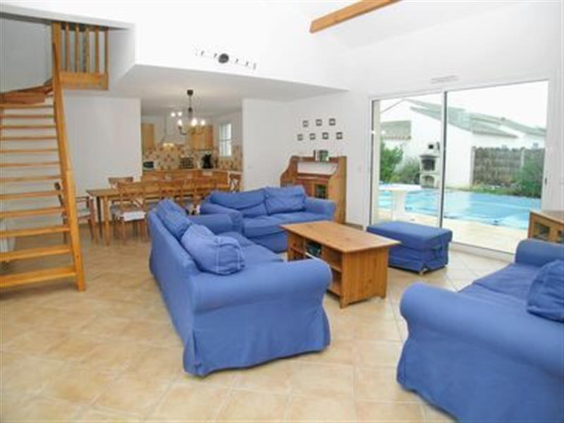 Villa de Monts in Saint-Jean-de-Monts, Vendée - sleeps 8 people