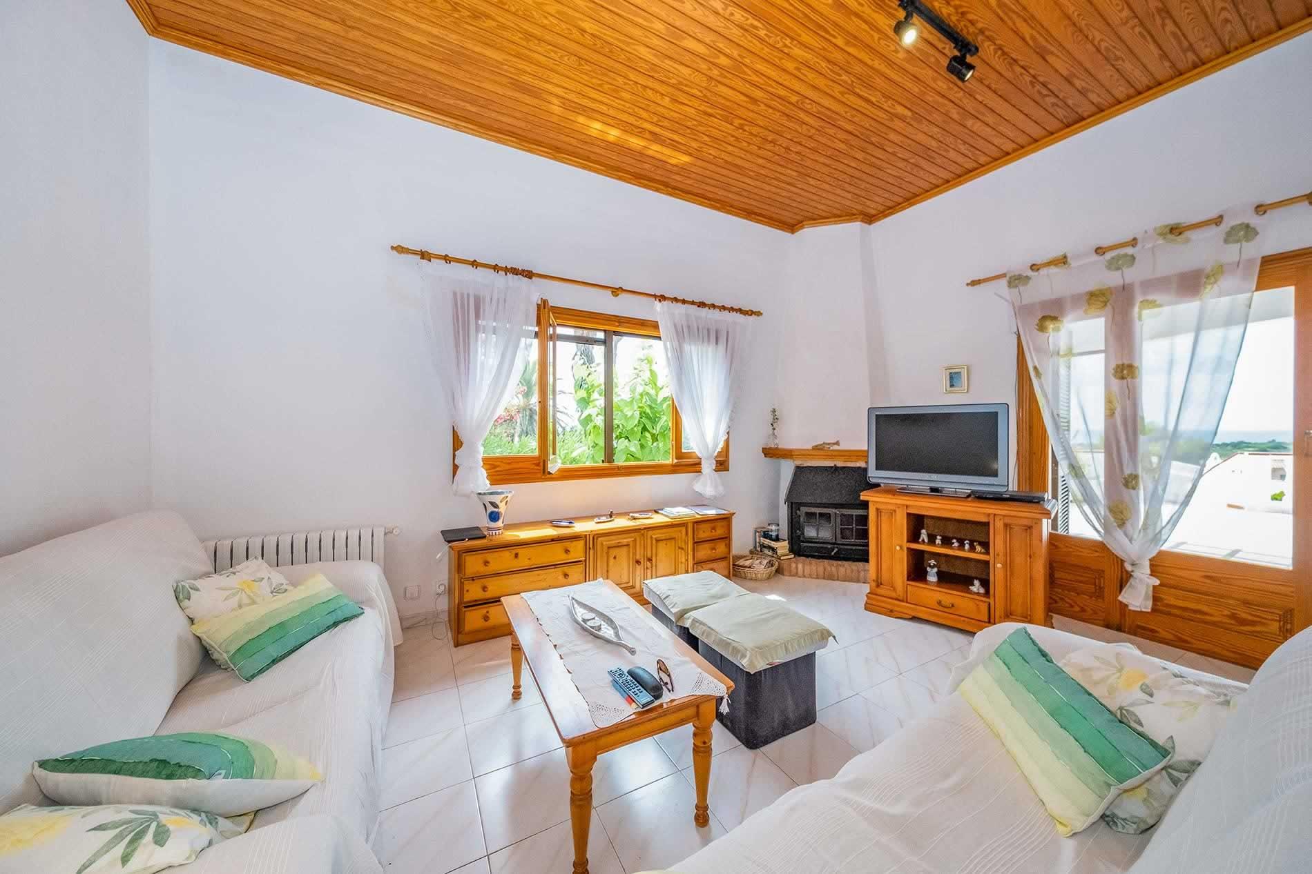 Villa Delfin in Son Bou - sleeps 10 people