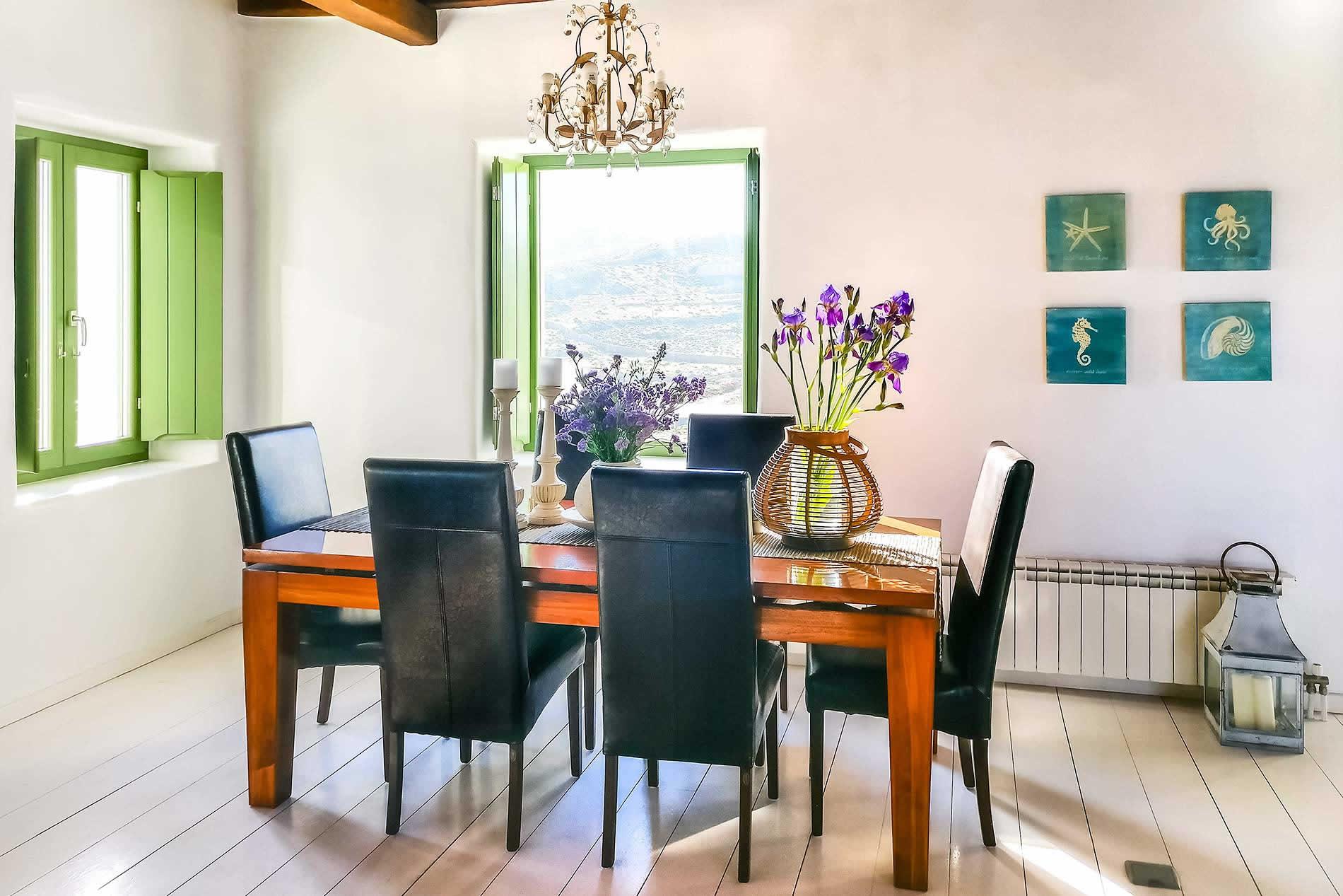 Villa Estrella in Mykonos Town - sleeps 6 people