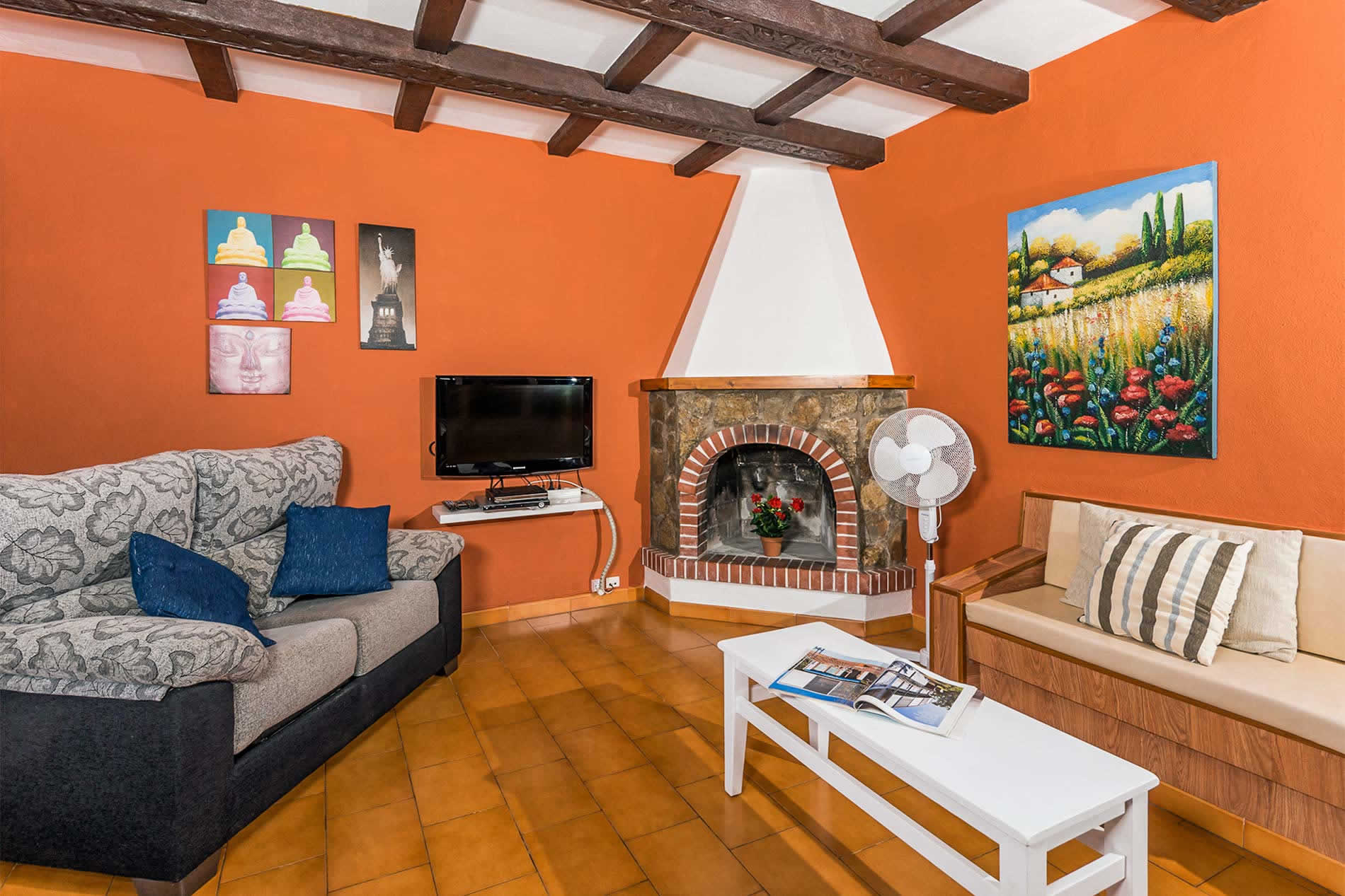 Villa Eugenia in Cala en Porter - sleeps 6 people
