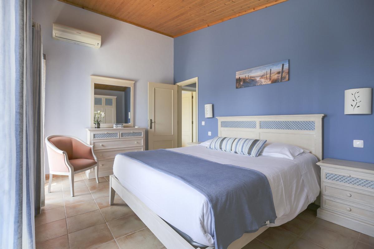 Villa Evora in Carvoeiro - sleeps 8 people