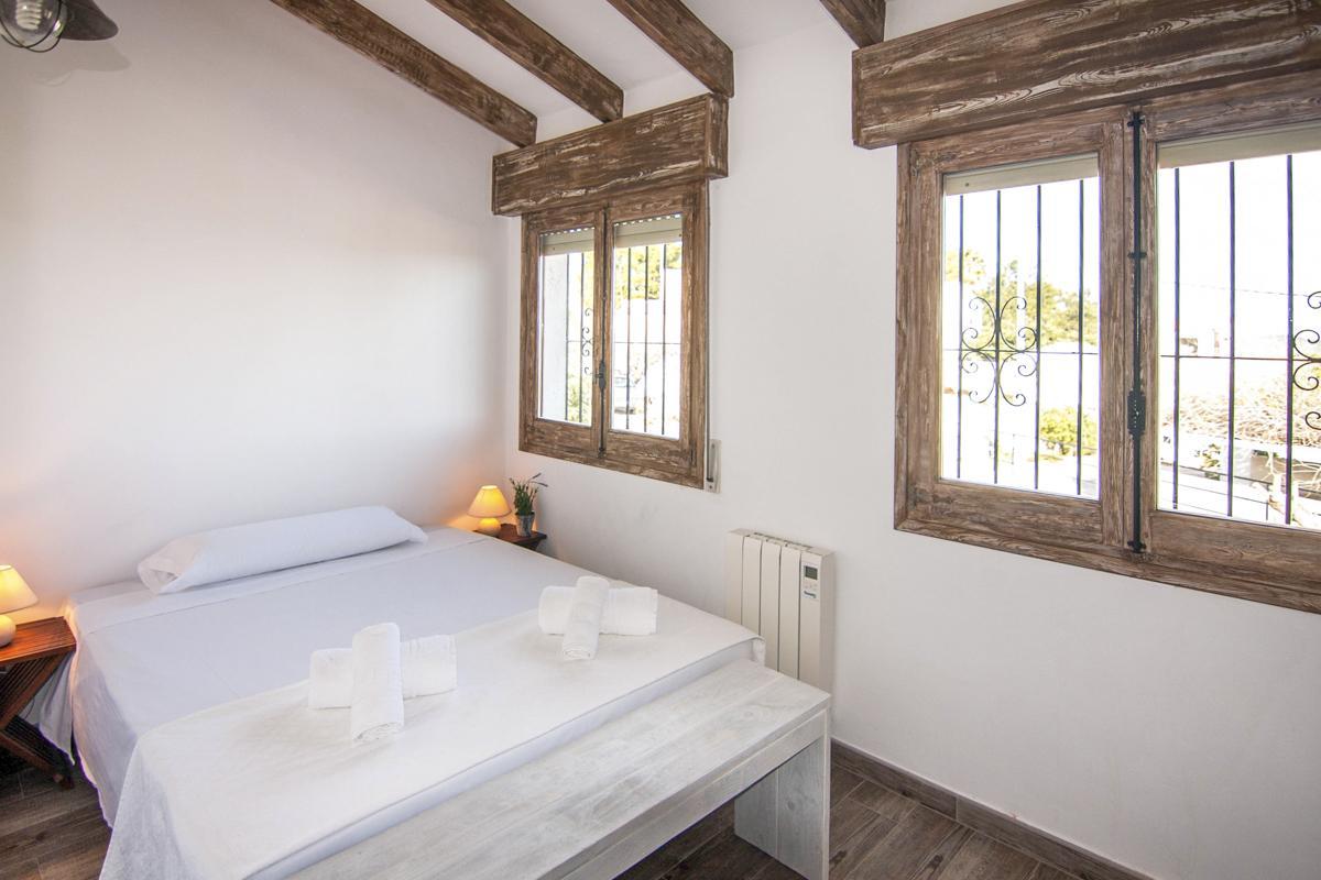 Villa Groc in Costa Blanca - sleeps 12 people