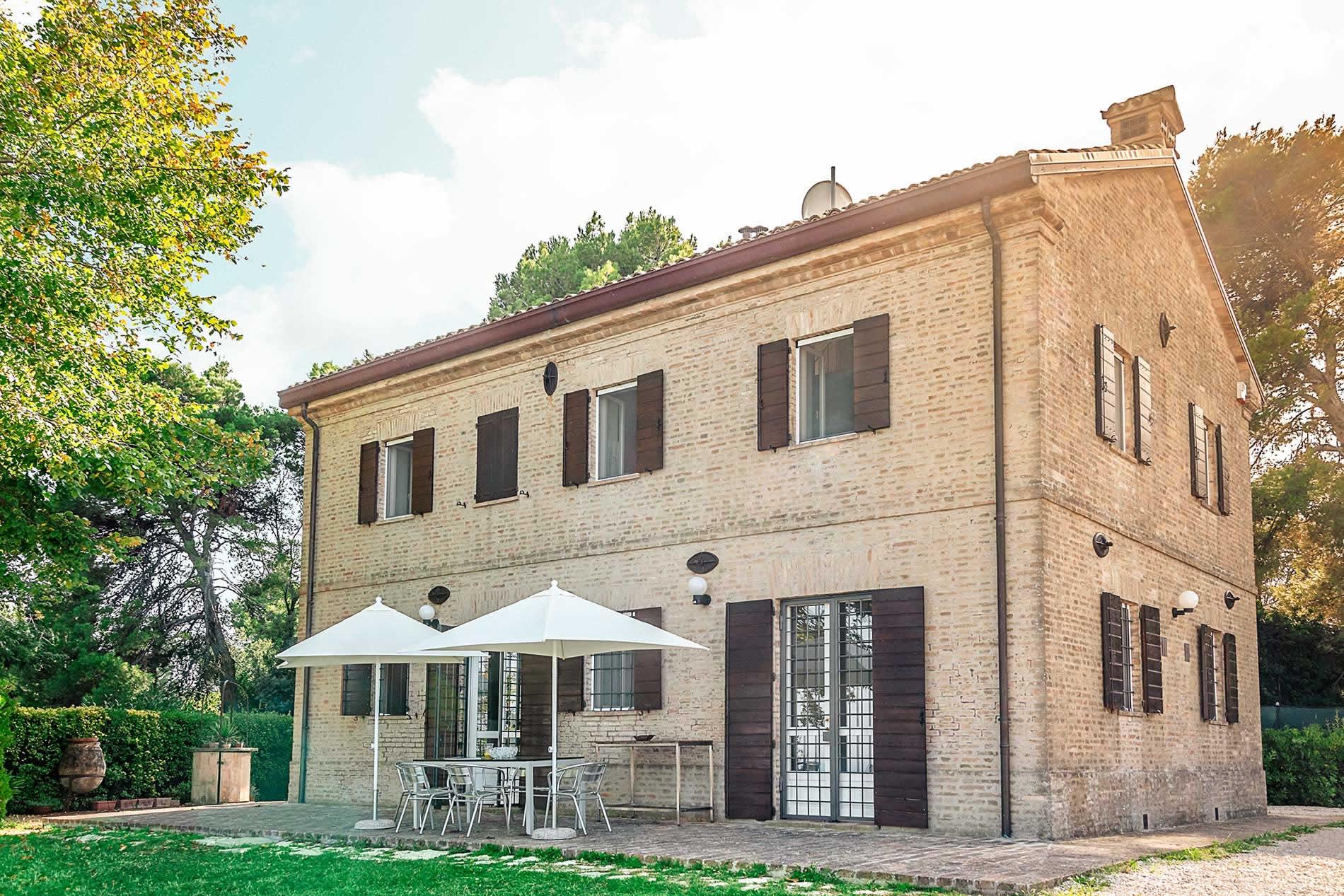 Villa Iris in Civitanova Marche - sleeps 8 people