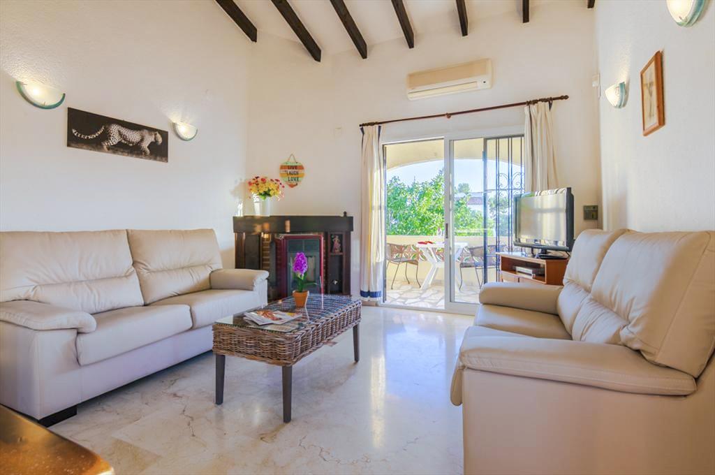 Villa Ivo in Costa Blanca - sleeps 6 people