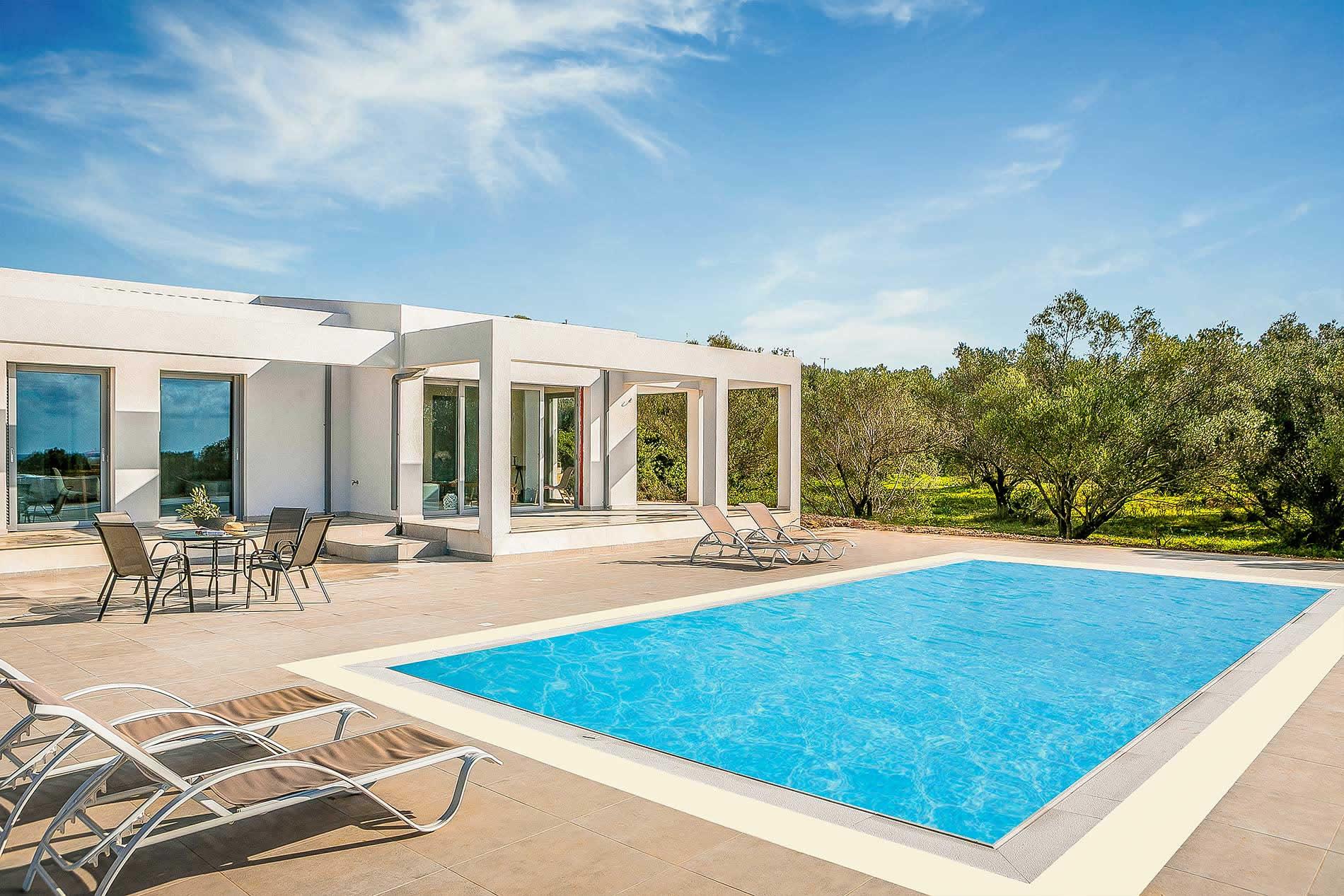 Villa Julietta in Svoronata - sleeps 6 people