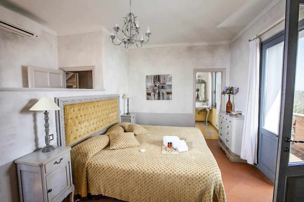 Villa La Fratta in Montepulciano - sleeps 10 people