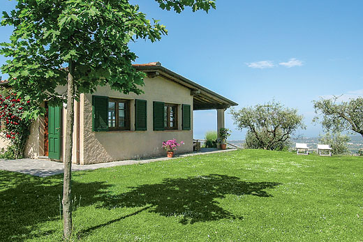 Villa La Piana in Lucca - sleeps 4 people