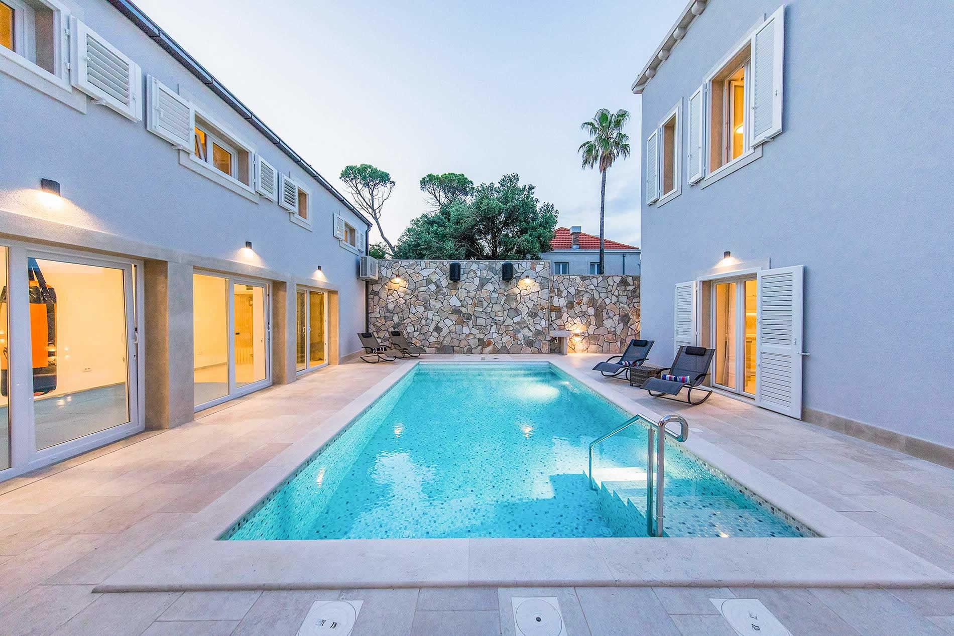 Villa Lapad Residence in Dubrovnik - sleeps 10 people