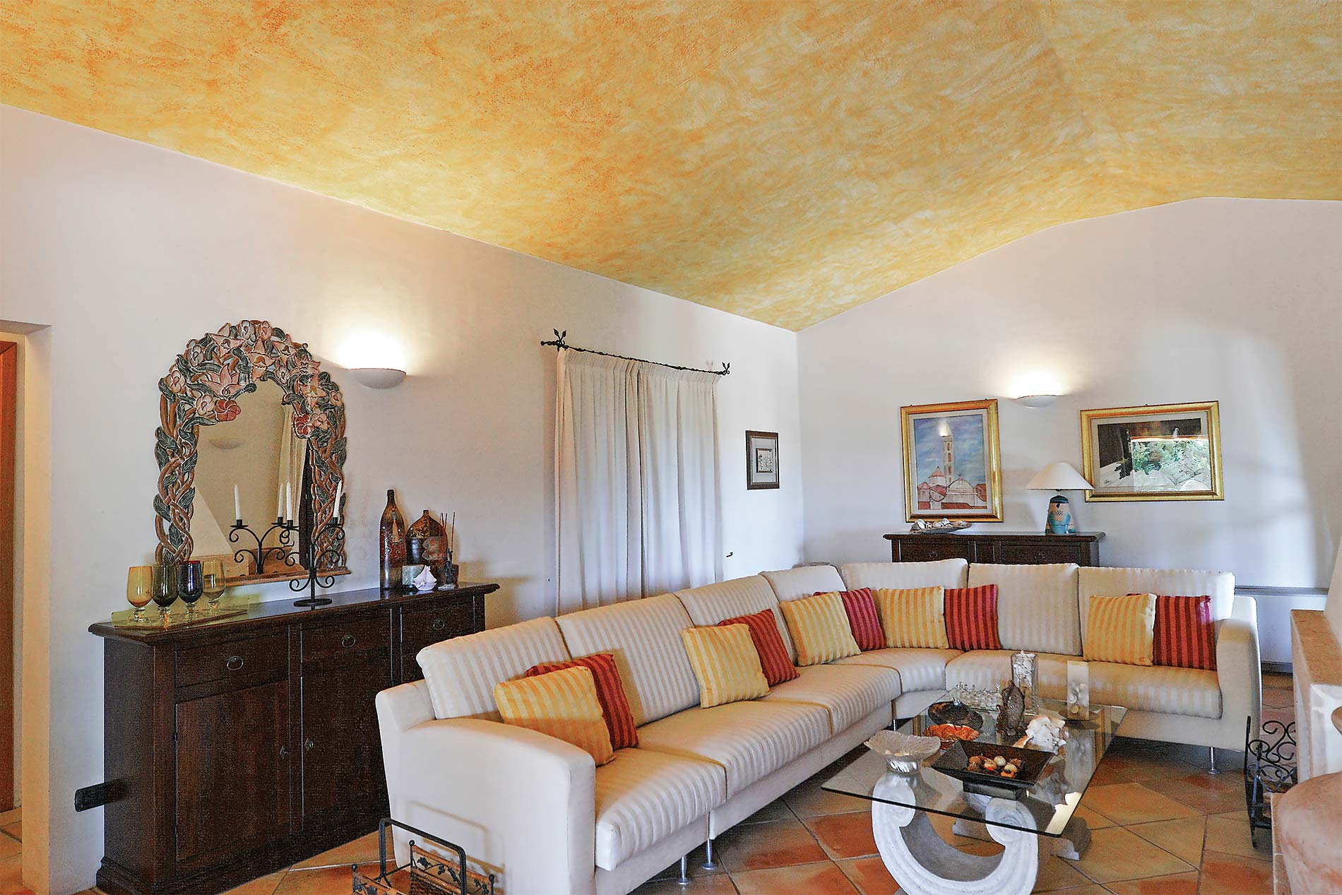 Villa le Mandorle in Baja Sardinia - sleeps 6 people