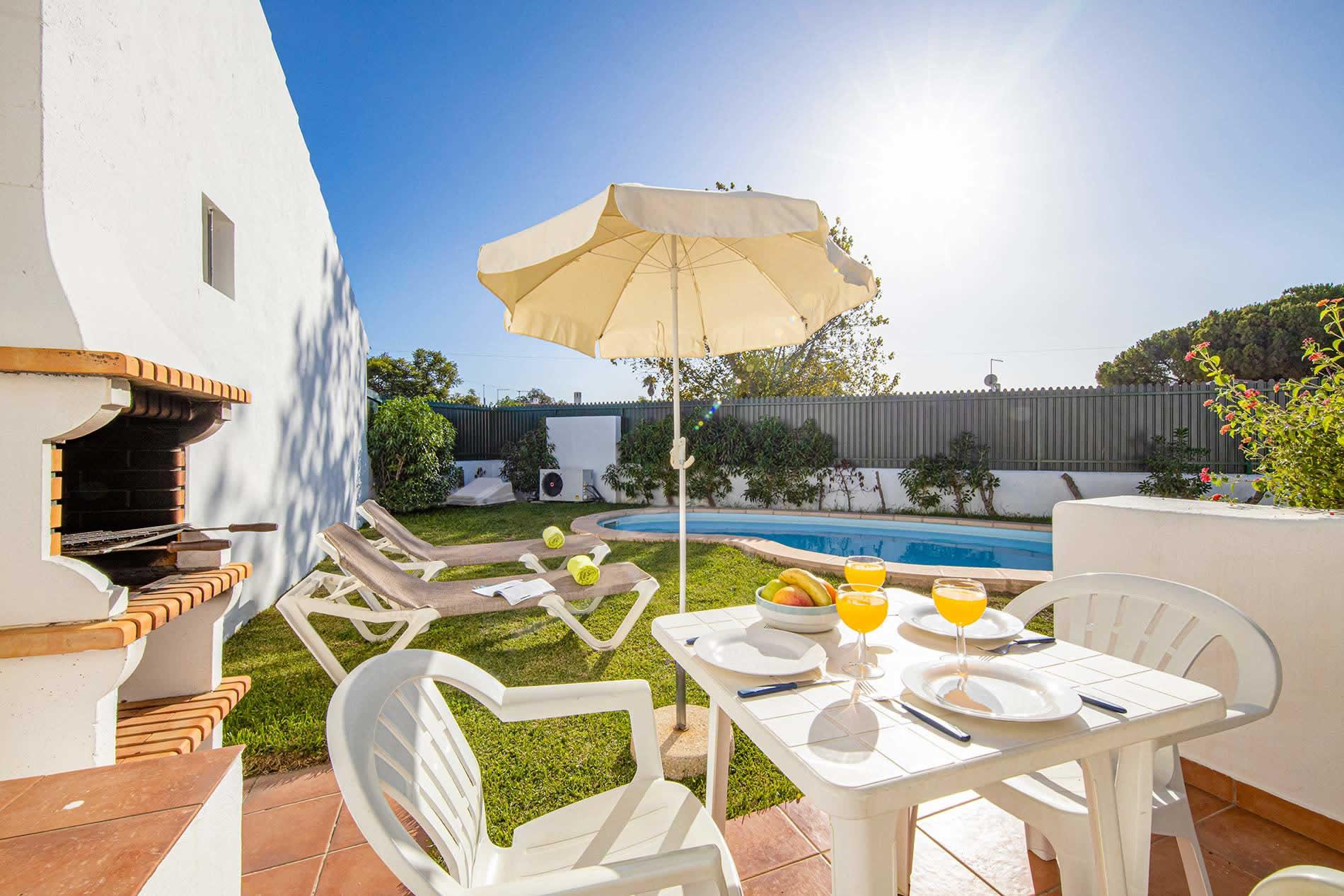 Villa Levante in Albufeira - sleeps 4 people
