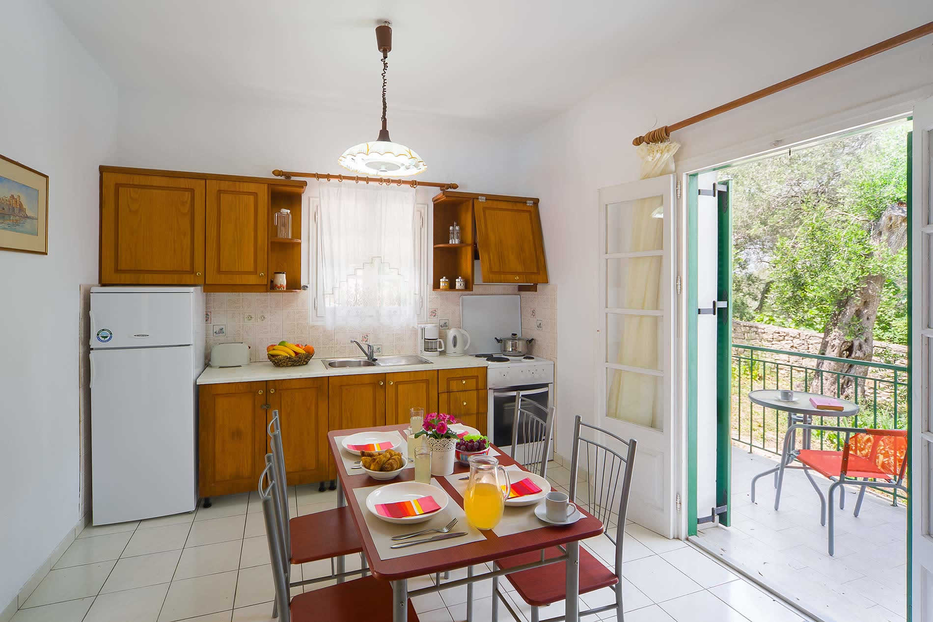 Villa Marguerita House in Loggos - sleeps 6 people