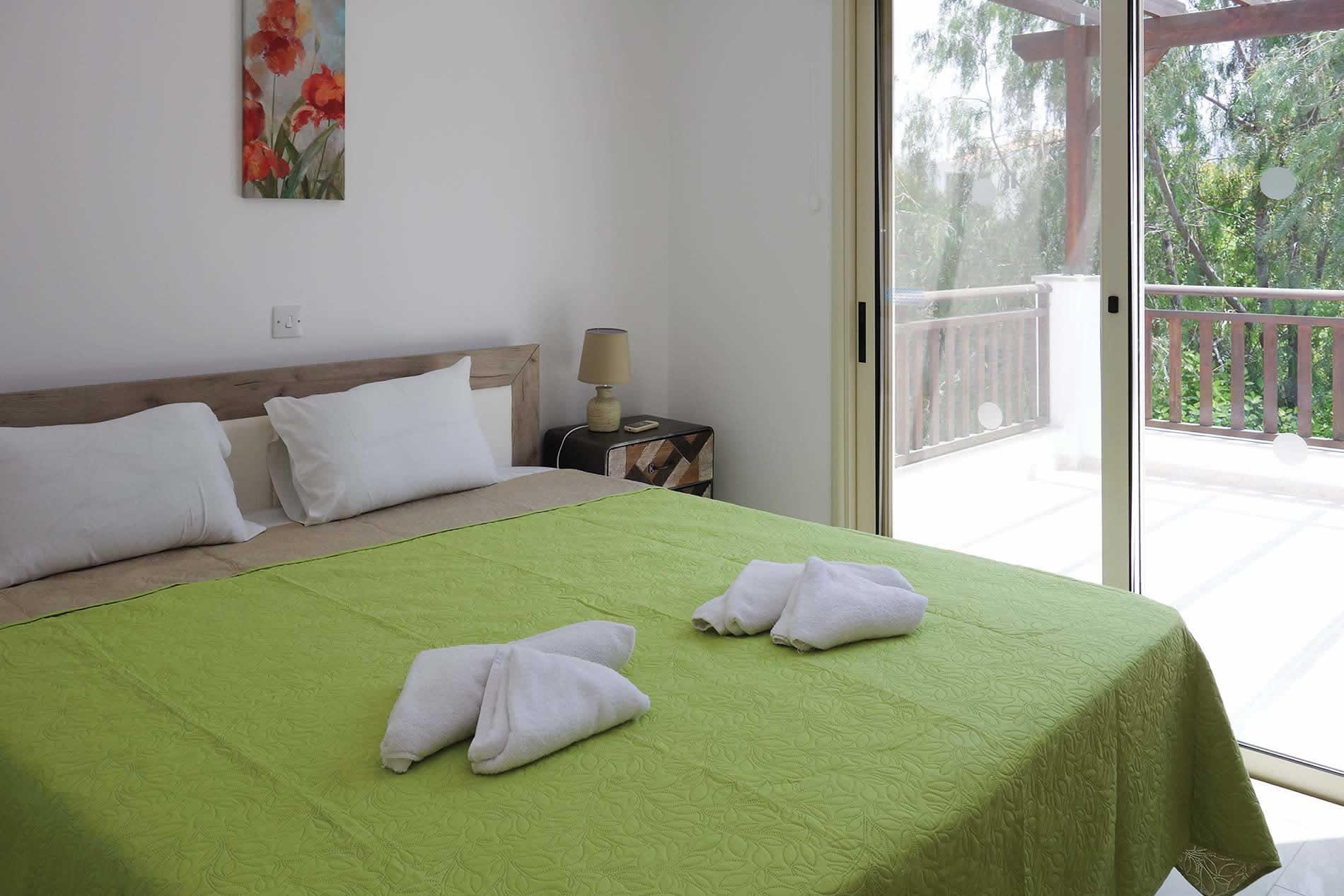 Villa Marina in Coral Bay - sleeps 6 people