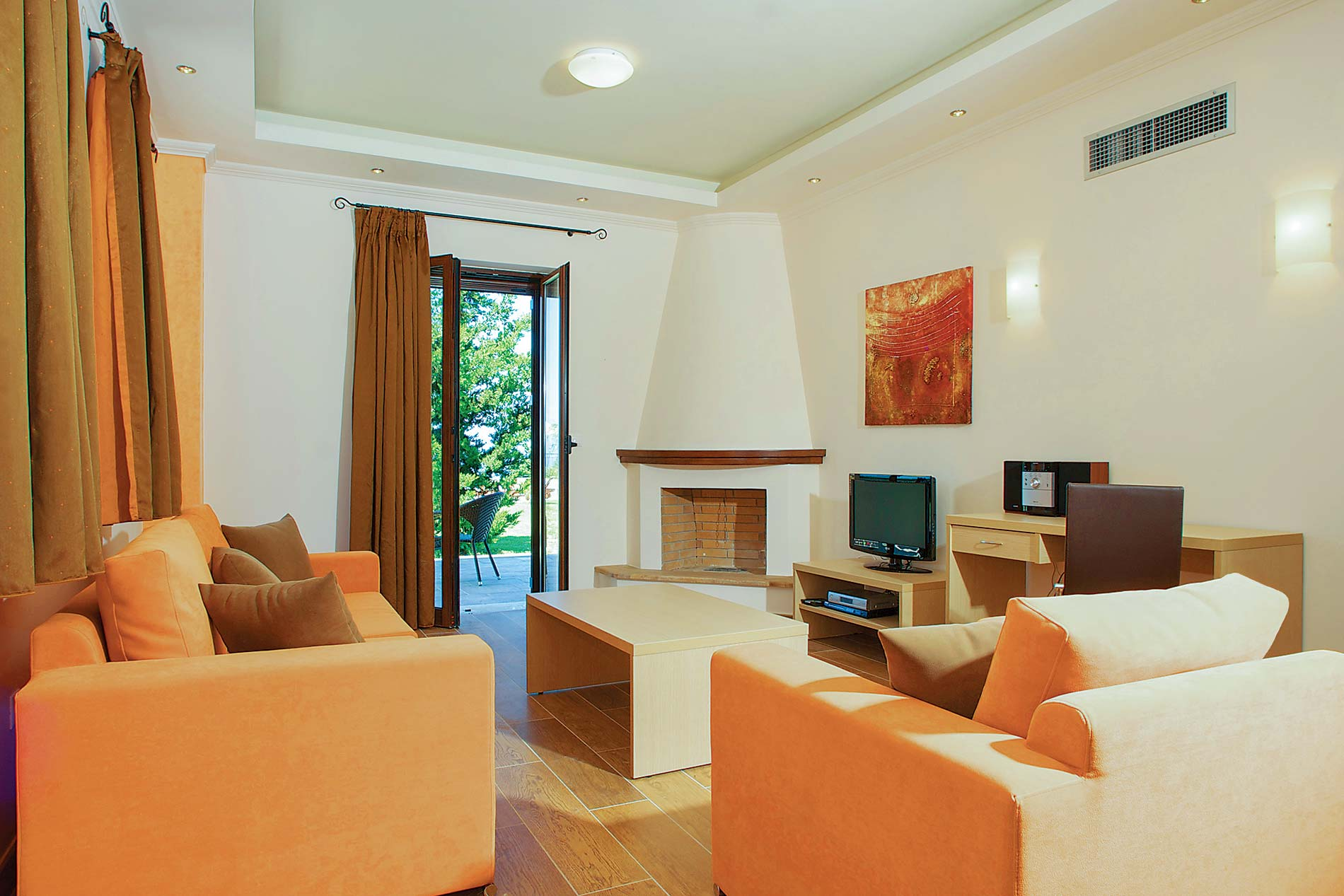 Villa Melia in Spanochori - sleeps 4 people