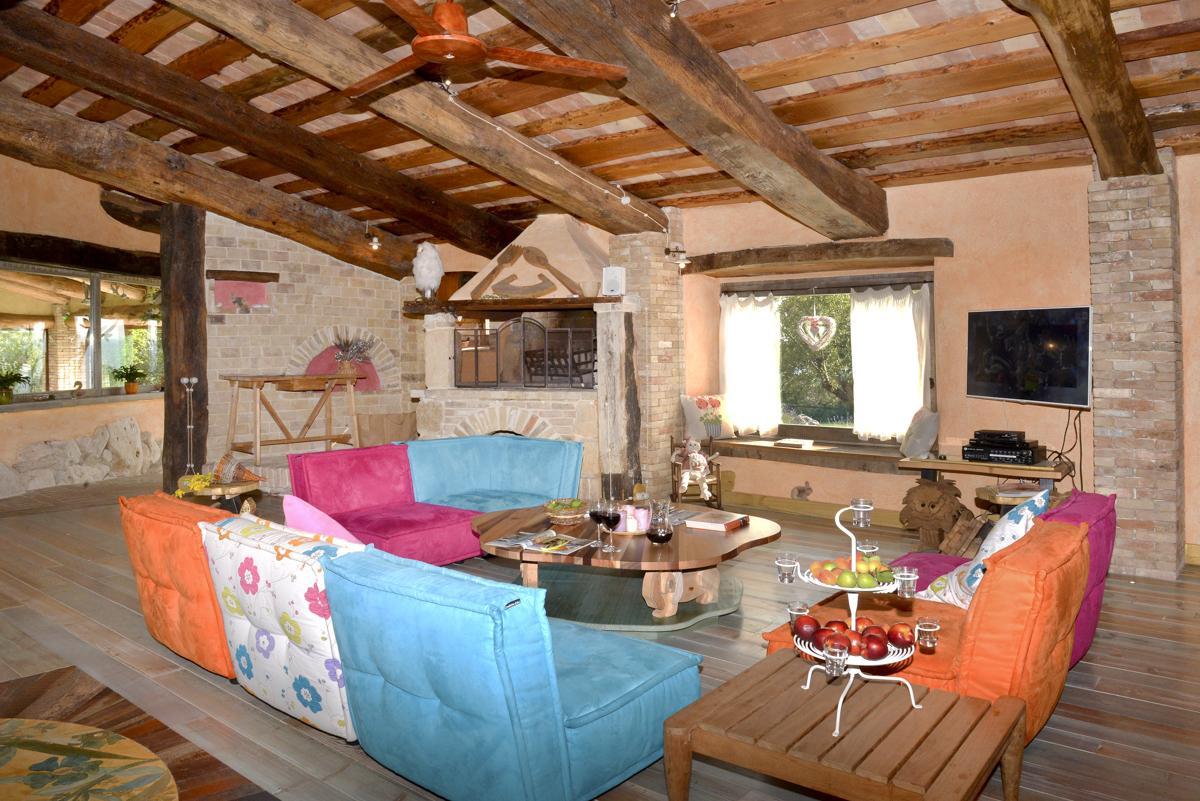 Villa Miavana in Umbria - sleeps 10 people
