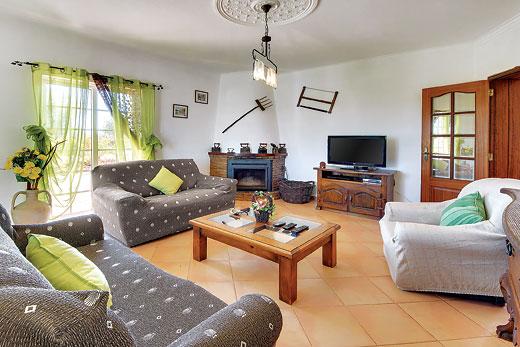 Villa Micaela in Armacao de Pera - sleeps 6 people