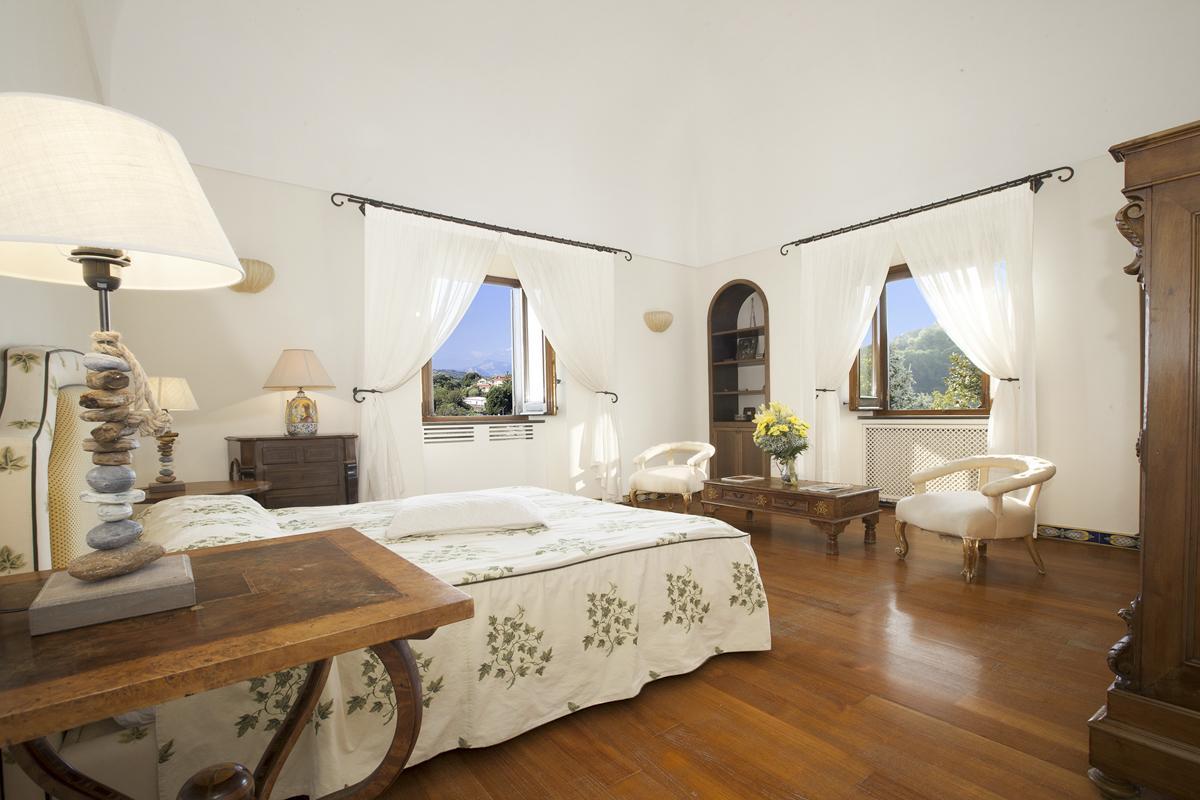 Villa Minette in Sorrento & Amalfi Coast - sleeps 9 people