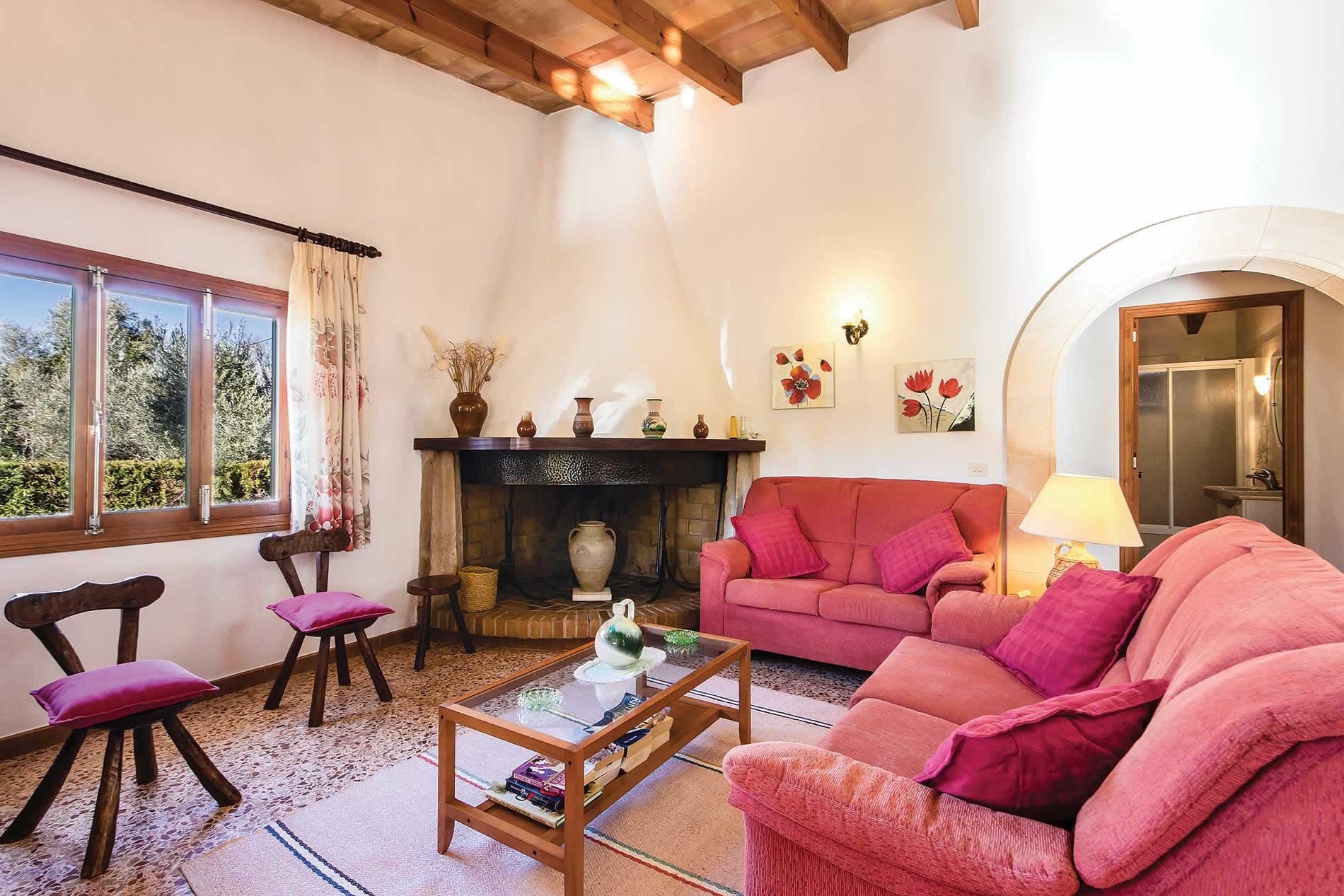 Villa Moreno in Pollensa - sleeps 4 people