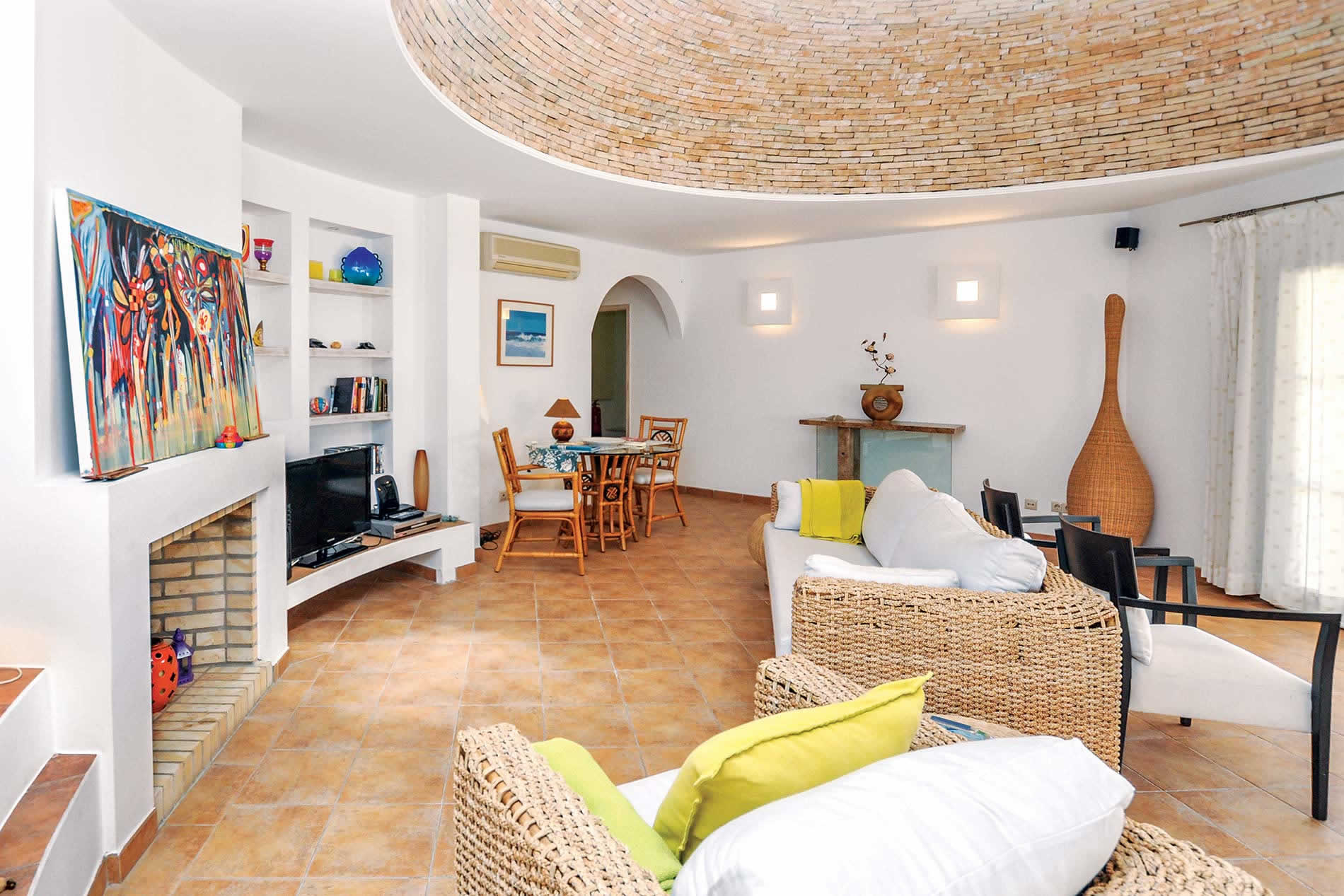 Villa Nella in Albufeira - sleeps 6 people
