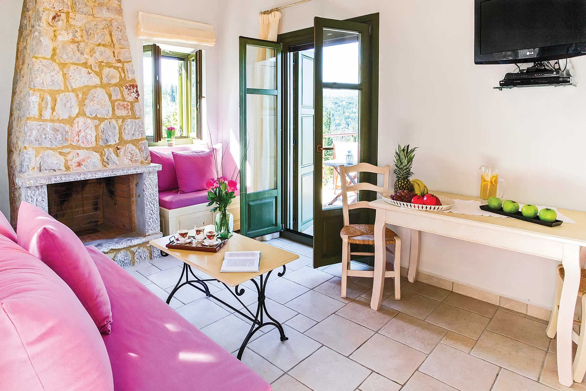 Villa Peony in Spanochori - sleeps 2 people