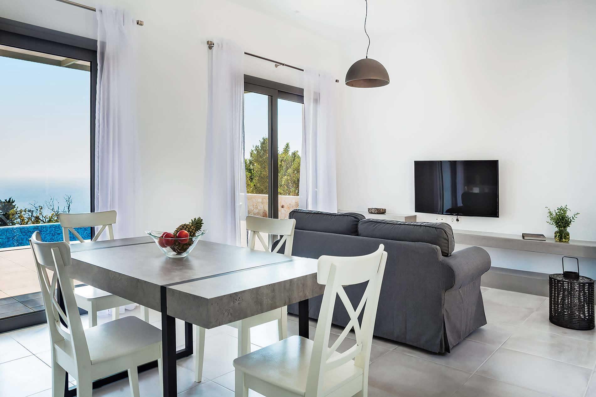 Villa Petra in Lourdas - sleeps 4 people