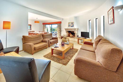 Villa Protea in Castelo, Algarve - sleeps 8 people