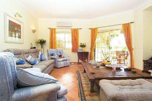 Villa Quinn in Gale, Albufeira - sleeps 8 people