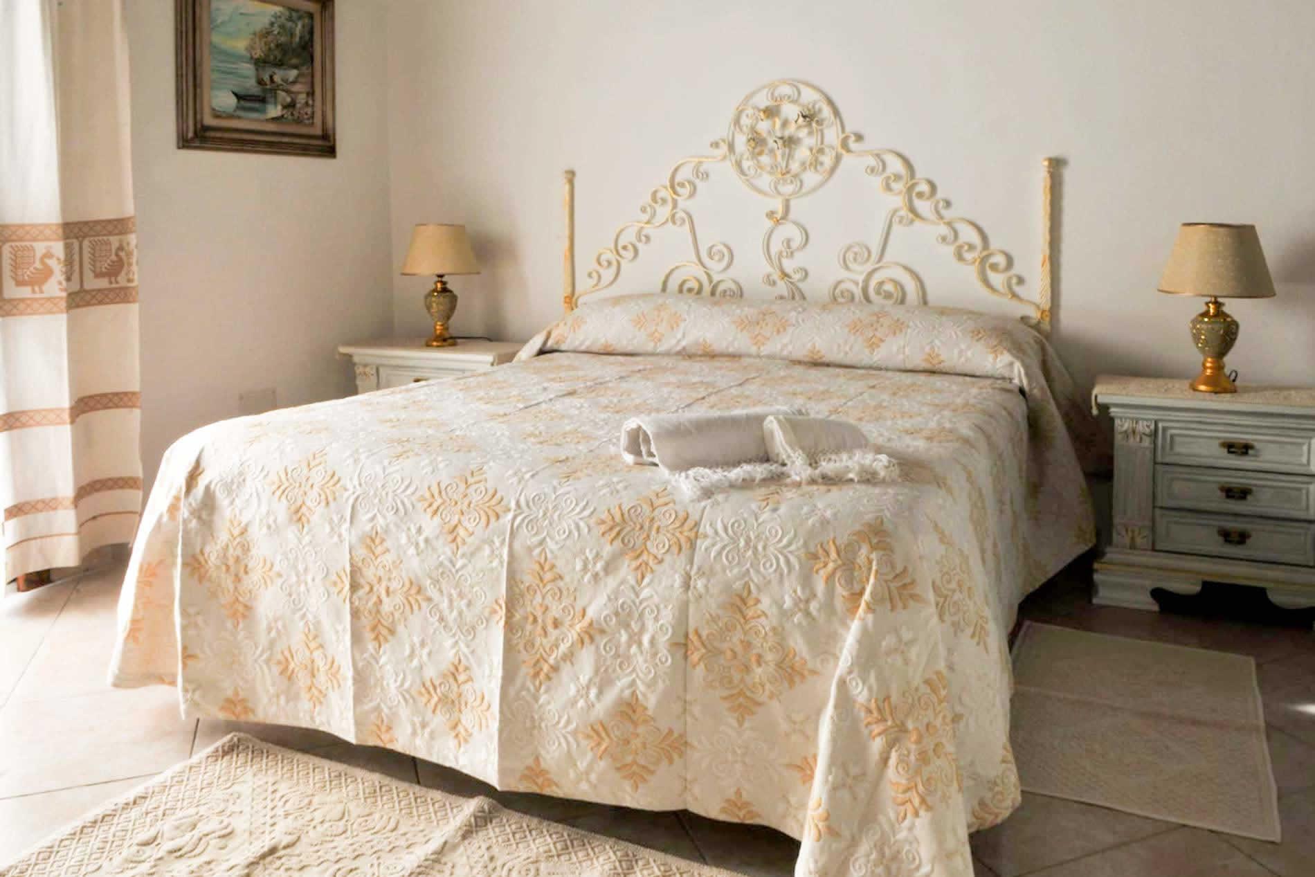 Villa Rocky Top Retreat in Baja Sardinia - sleeps 12 people