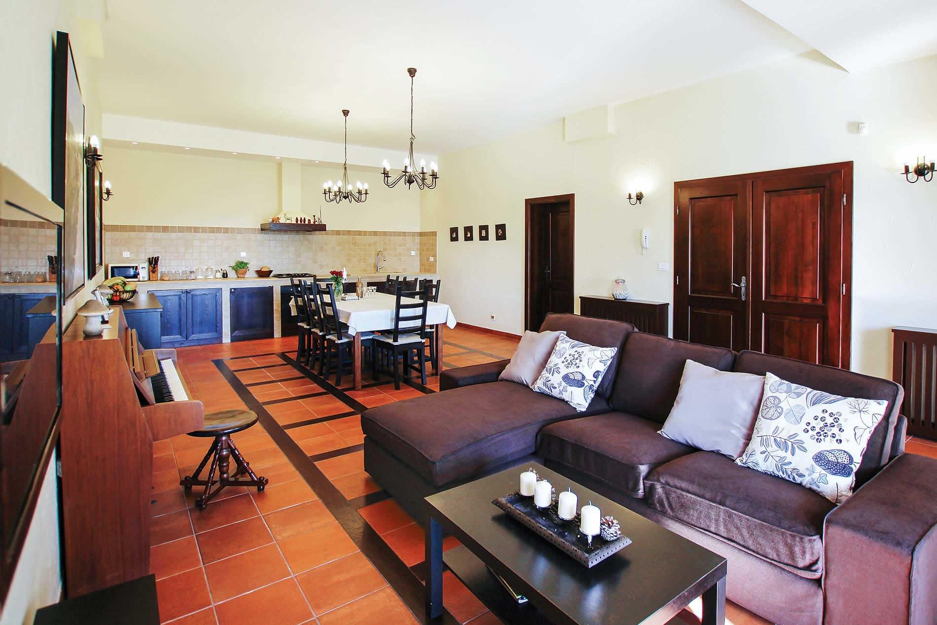 Villa Romano in Trogir - sleeps 10 people