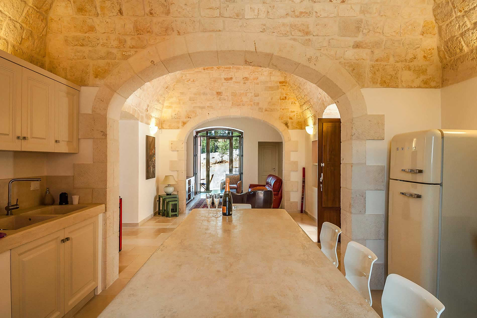 Villa Rose Mansion in monopoli - sleeps 12 people