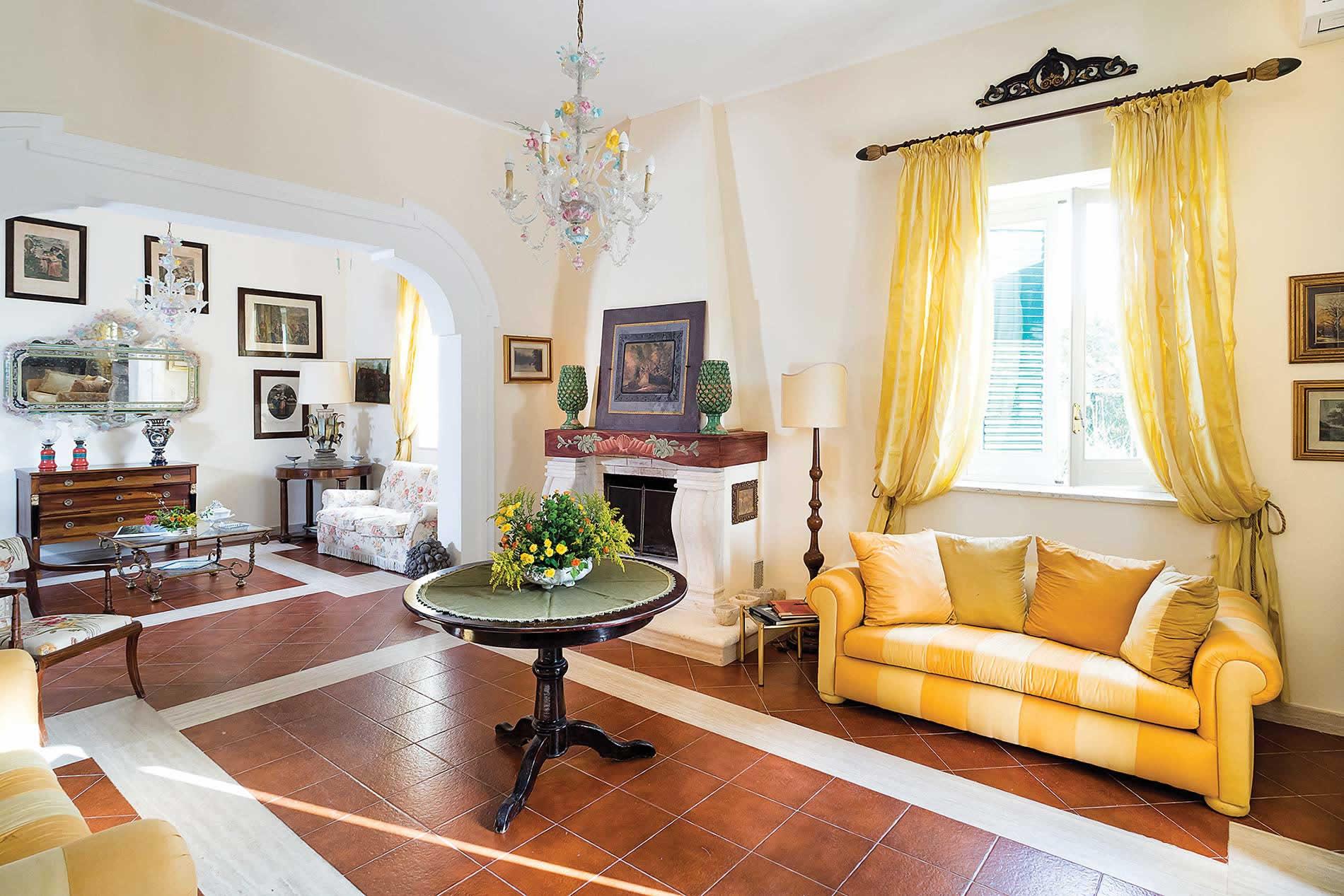 Villa San Ciro in Trapani - sleeps 10 people