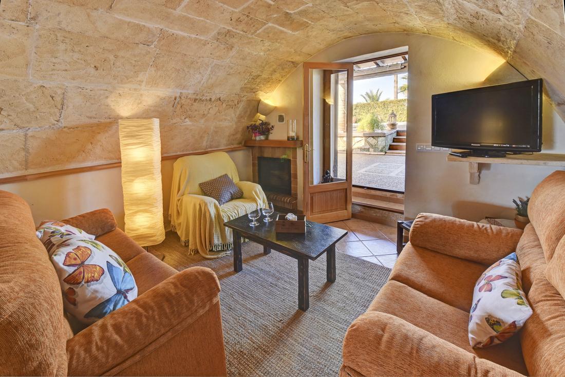 Villa Ses Covetes in Cala d'Or - sleeps 6 people