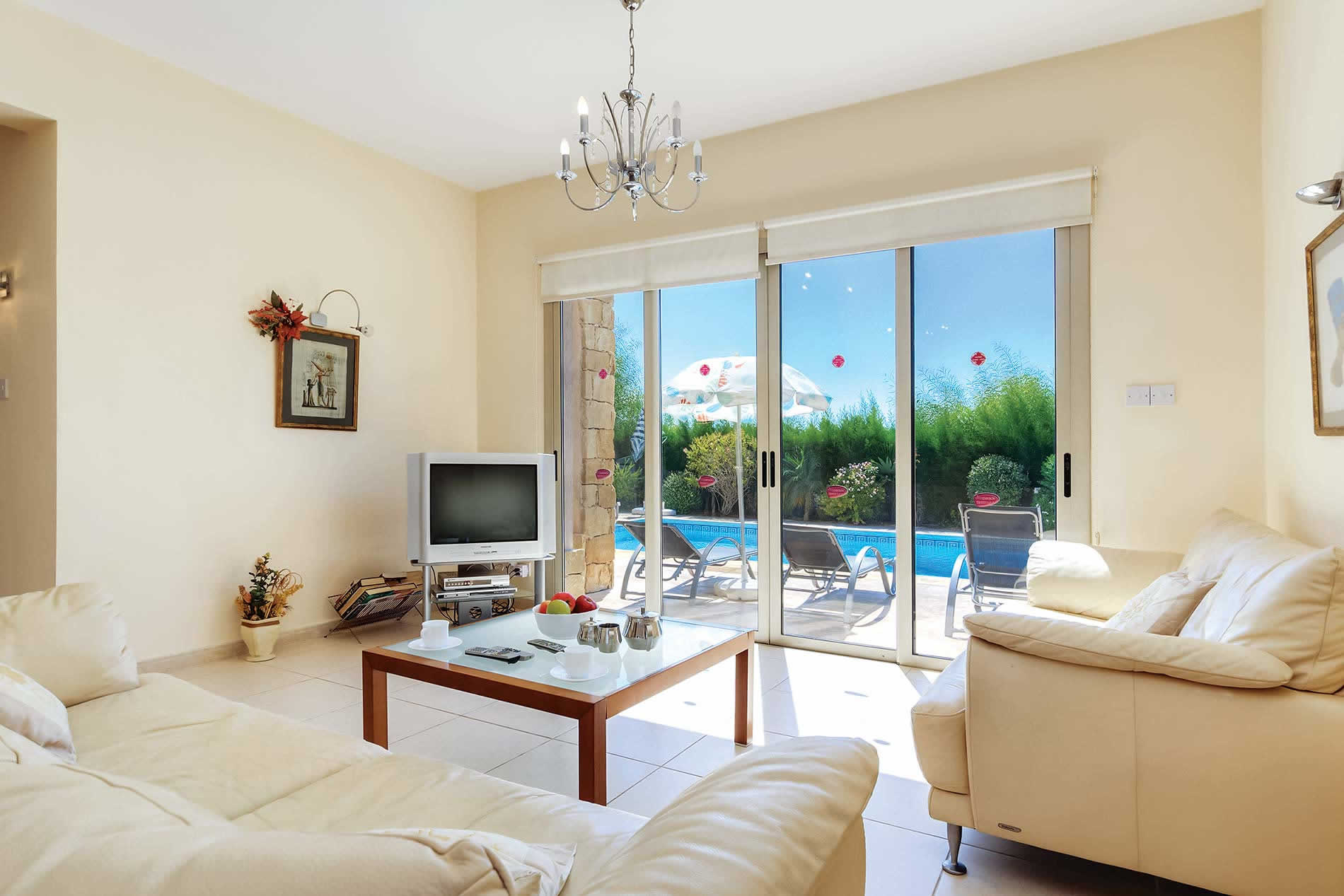 Villa Shanta in Coral Bay - sleeps 6 people