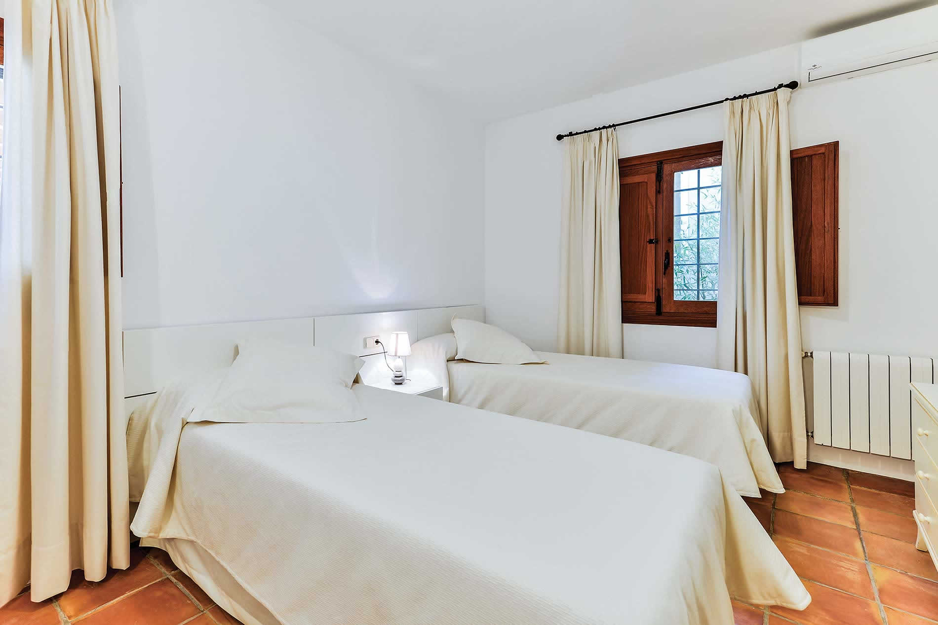 Villa S'Hort d'es Guelo in Santa Eulalia - sleeps 10 people