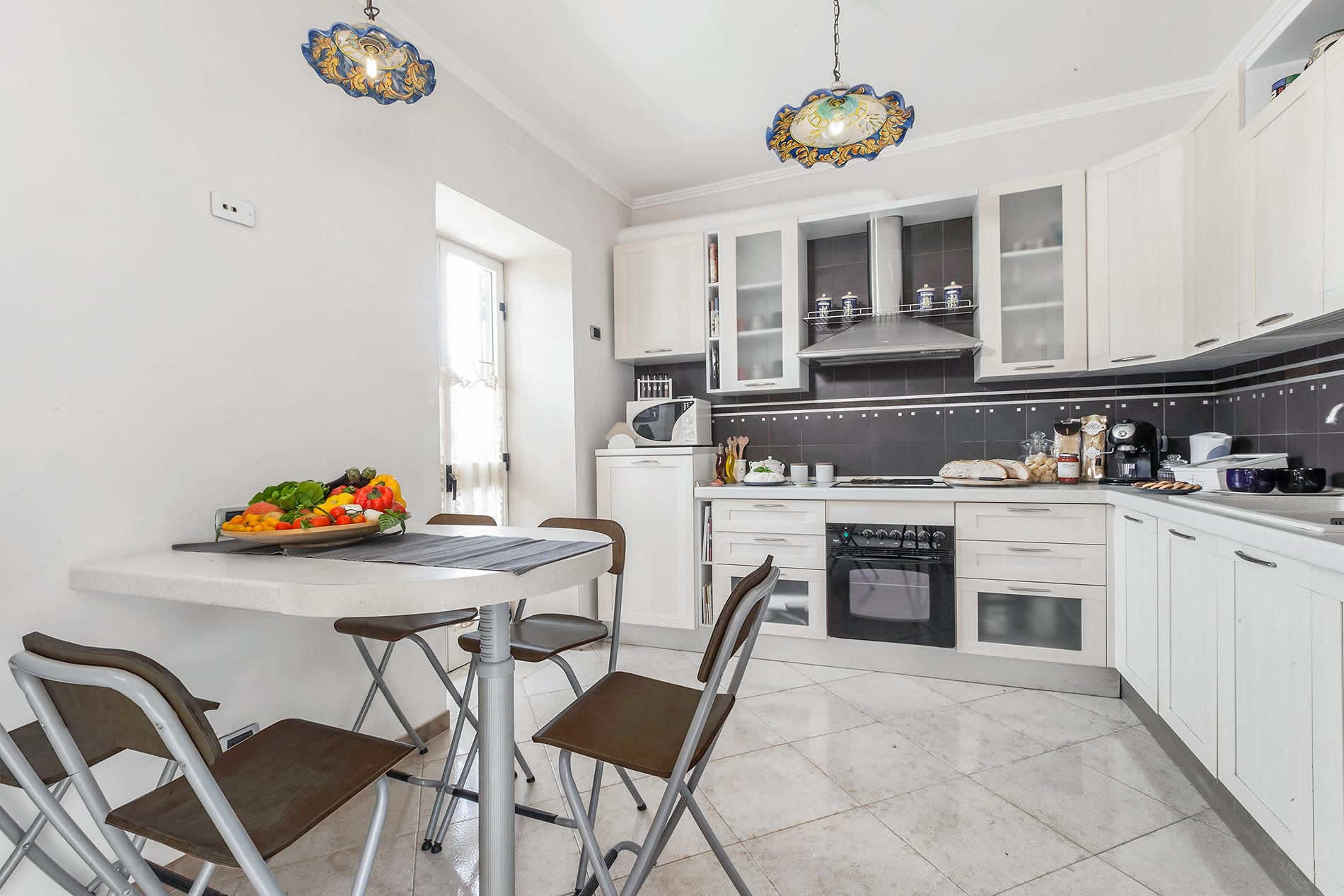 Villa Sole in Sant'Agata sui Due Golfi - sleeps 4 people