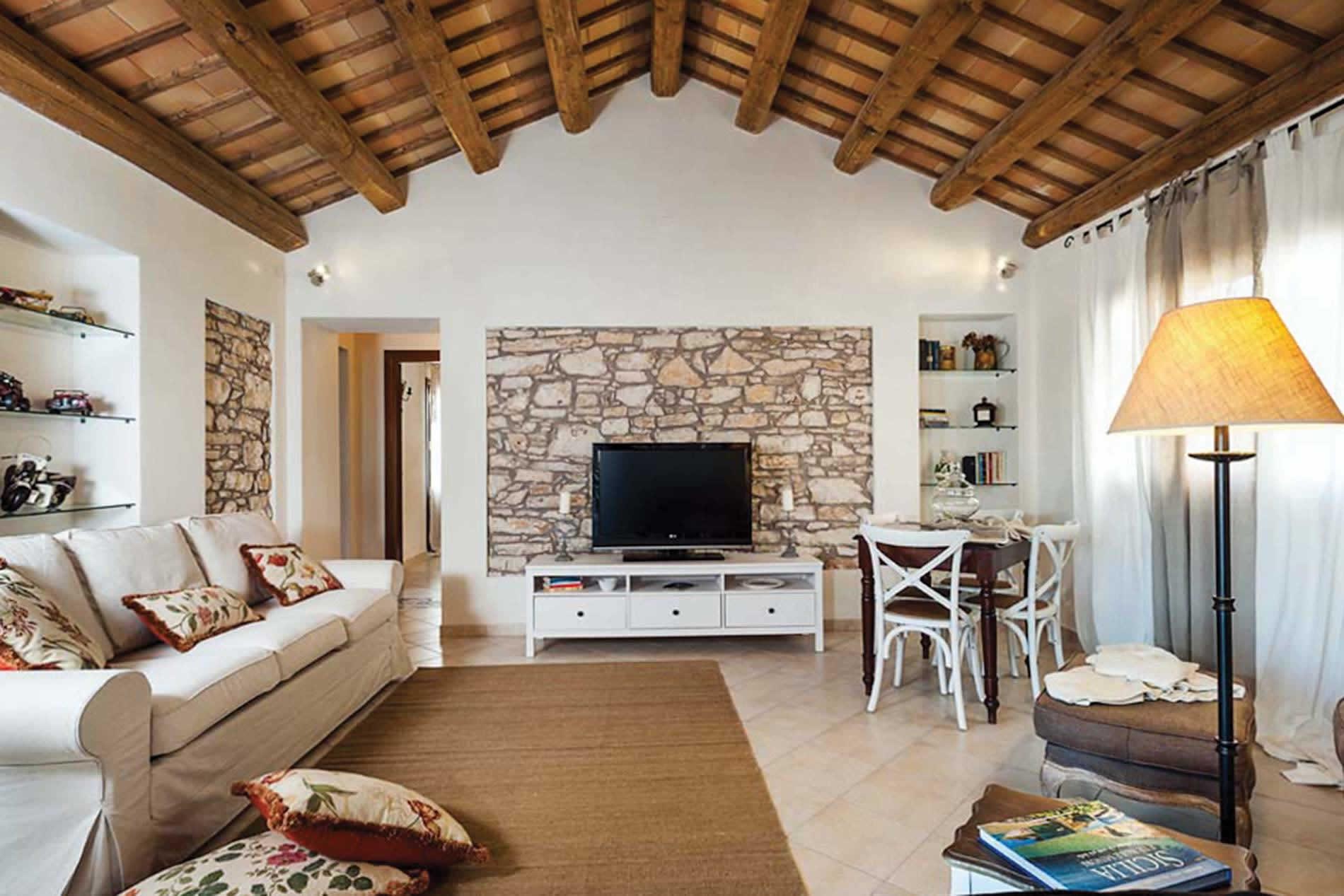 Villa Tangi in Trapani - sleeps 8 people