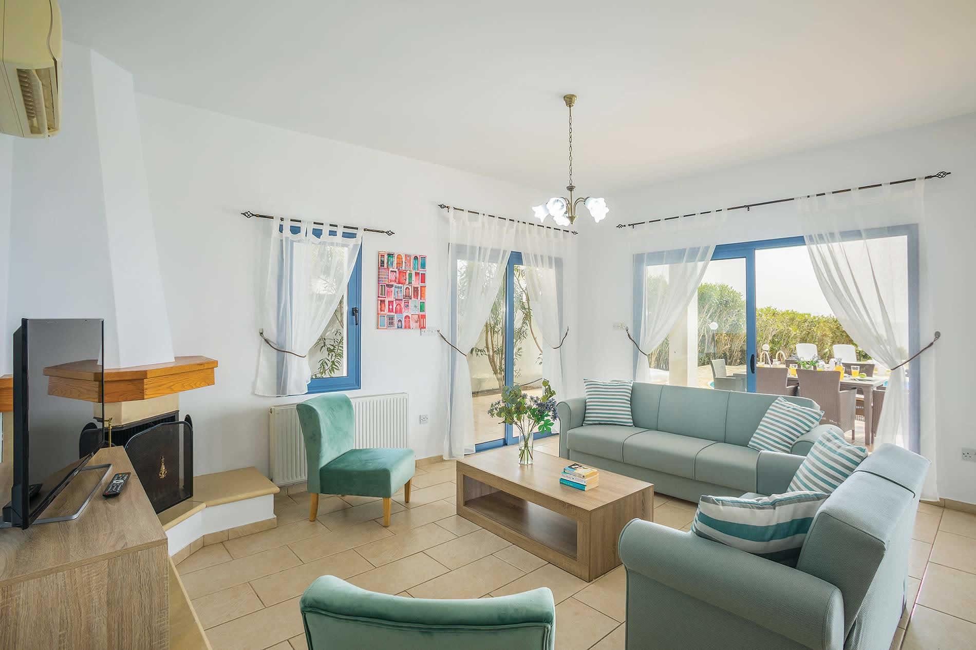 Villa Thalassa in Coral Bay - sleeps 8 people