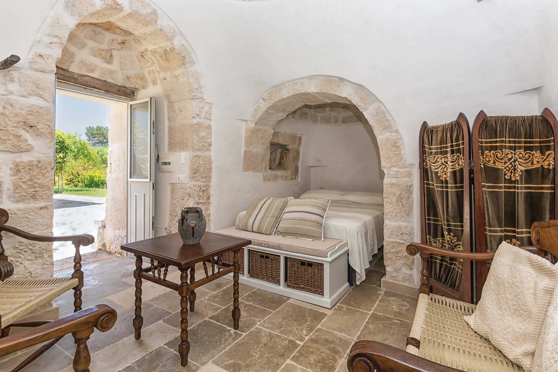 Villa Trullo Patrizia in Ceglie Messapica - sleeps 4 people