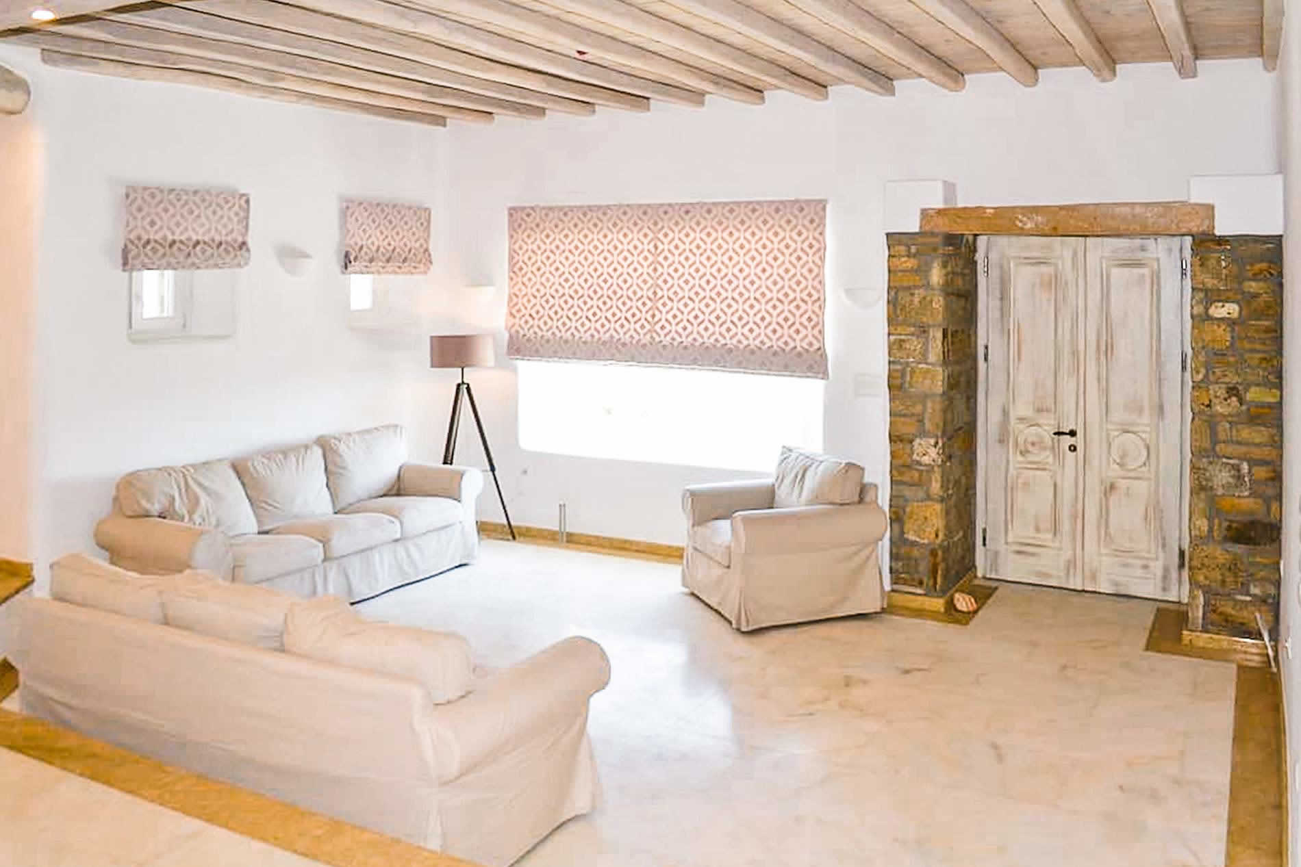 Villa Varvara in Mykonos Town - sleeps 6 people