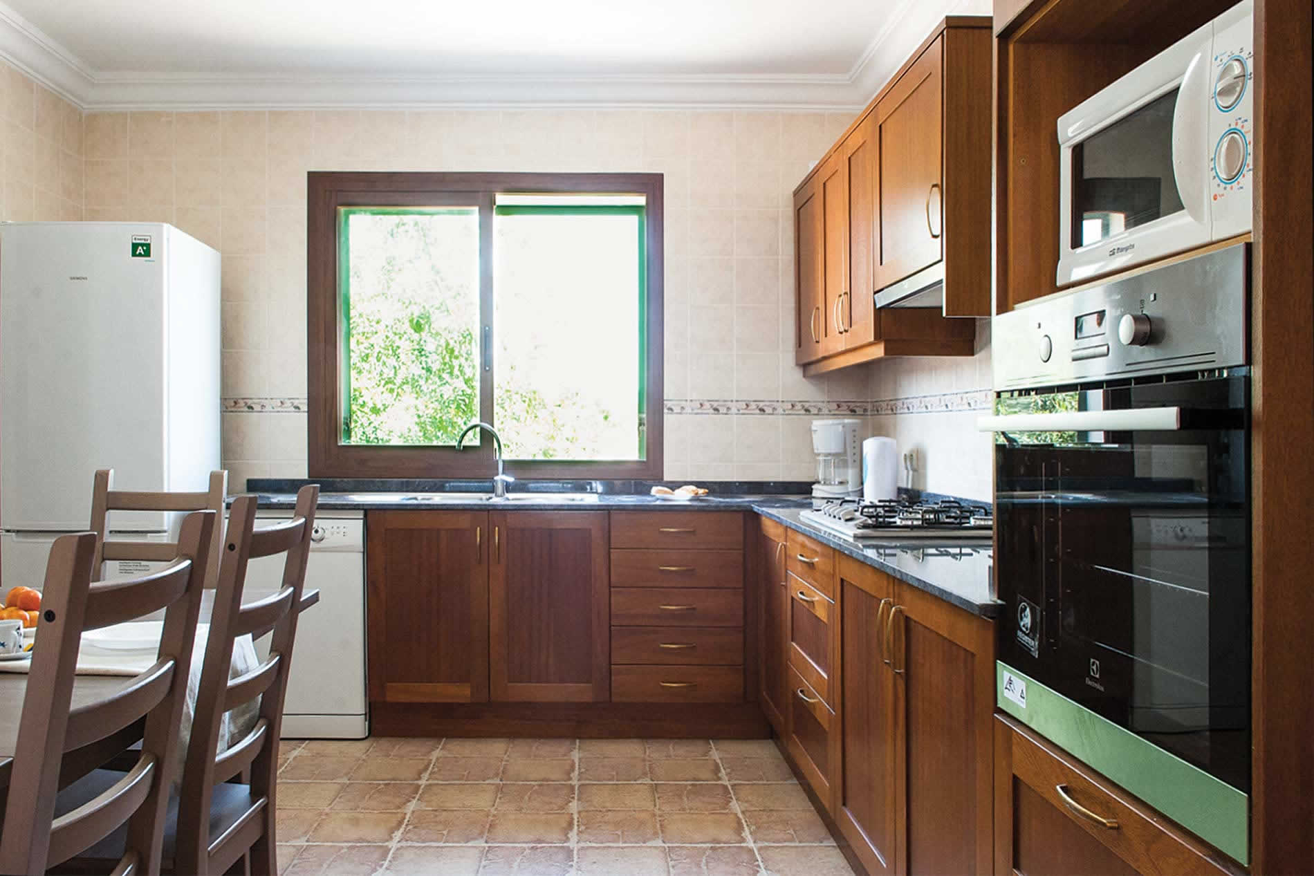 Villa Verdal in S'Alqueria Blanca - sleeps 8 people