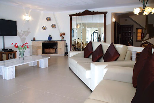 Villa Vesta in Gale, Albufeira - sleeps 6 people