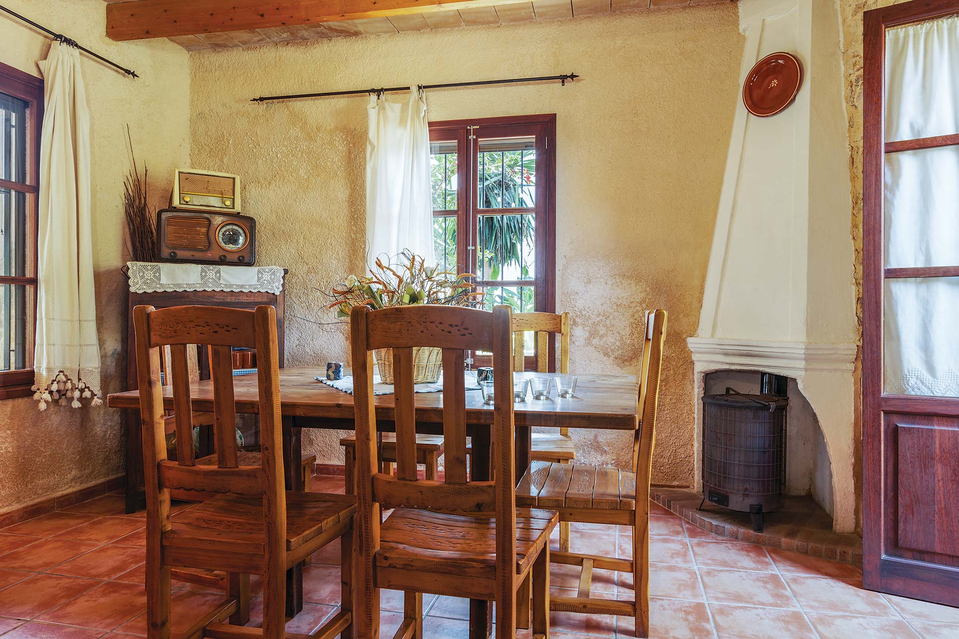 Villa Virolla in Sa Pobla - sleeps 8 people